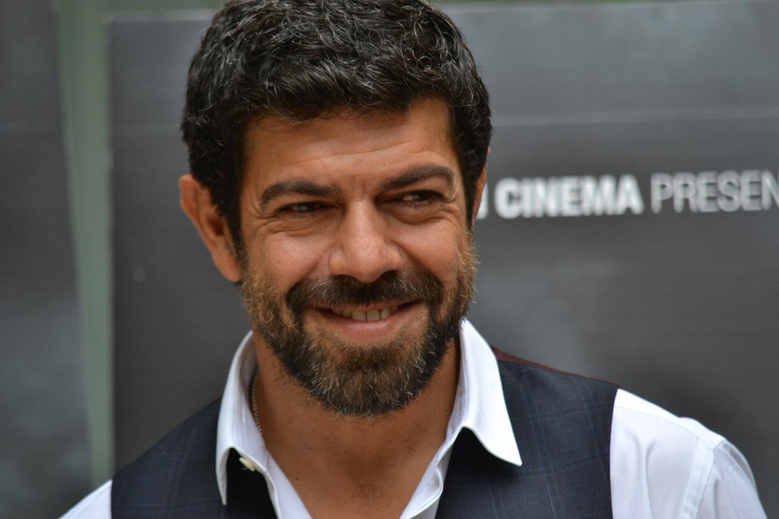 Pierfrancesco Favino presenta Suburra nel quale interpreta il politico Malgradi