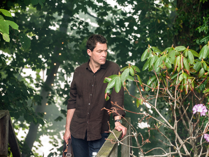 The Affair: il protagonista Dominic West in una foto del primo episodio