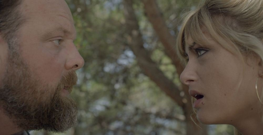 Au plus près du soleil: Mathilde Bisson e Grégory Gadebois in una scena del film
