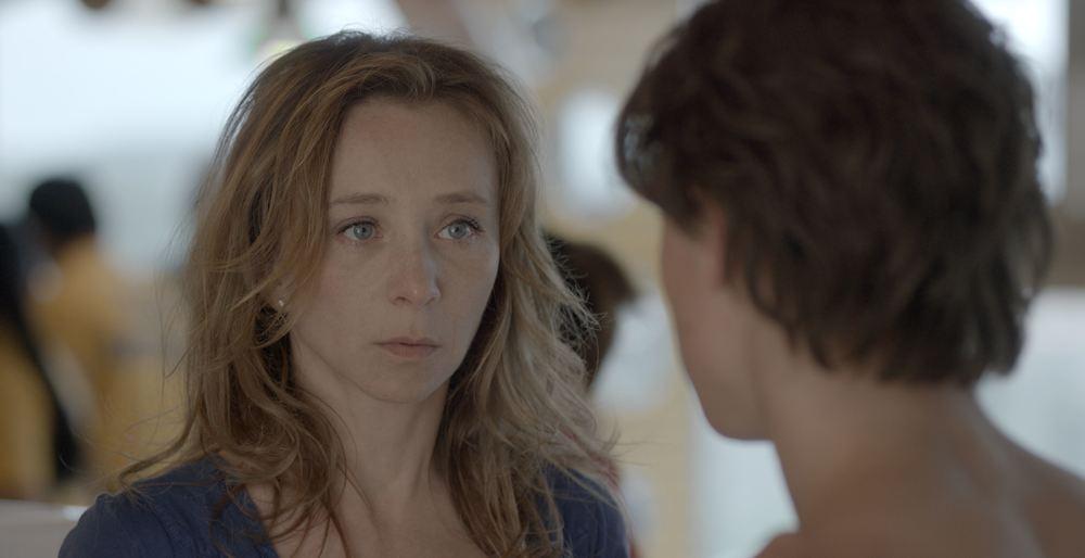 Au plus près du soleil: Sylvie Testud e Zacharie Chasseriaud in un momento del film