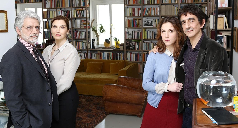 Dobbiamo parlare: Fabrizio Bentivoglio, Maria Pia Calzone, Isabella Ragonese e Sergio Rubini in un'immagine promozionale del film