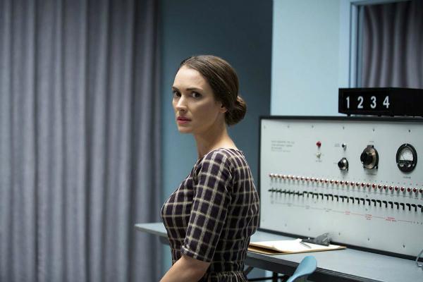 Experimenter:Winona Ryder in una scena del film