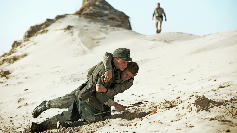 Land of Mine: un momento di azione del film
