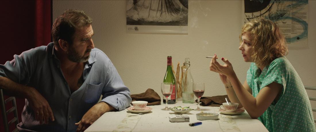 Mad Kings: Erica Cantona e Céline Sallette in una scena del film