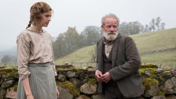 Sunset Song: Peter Mullan e Agyness Deyn in una scena