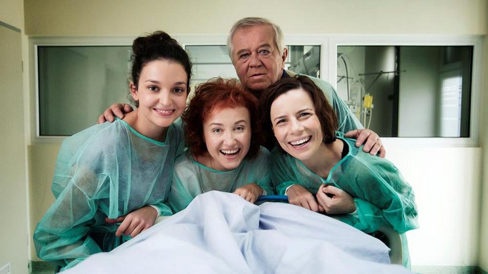 These Daughters of Mine: un'immagine con protagonisti i personaggi principali del film