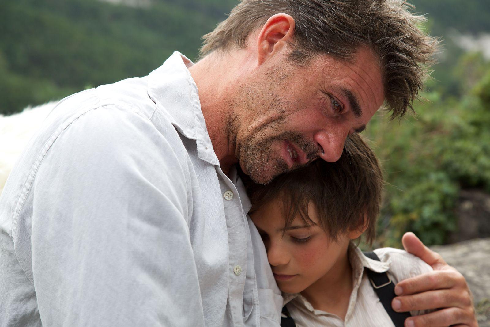 Belle & Sebastien - L'avventura continua: Félix Bossuet e Thierry Neuvic in una scena del film