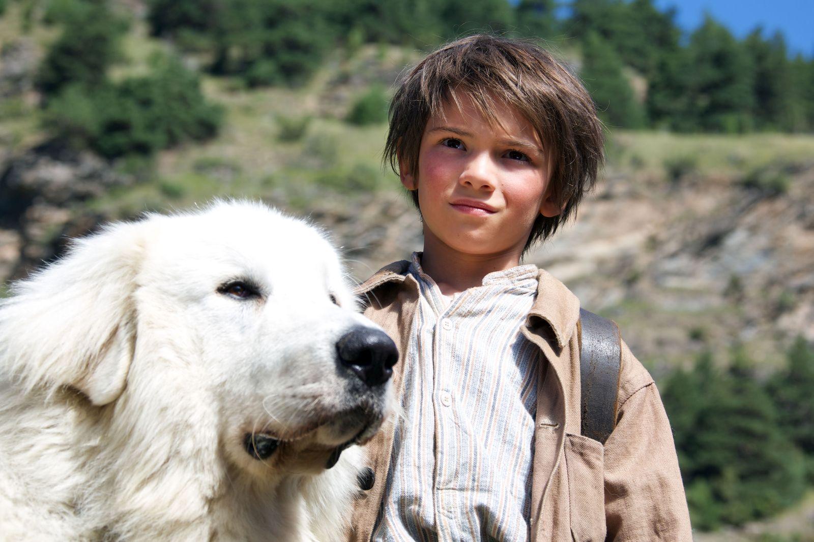 Belle & Sebastien - L'avventura continua: Félix Bossuet in compagnia del suo fido cane