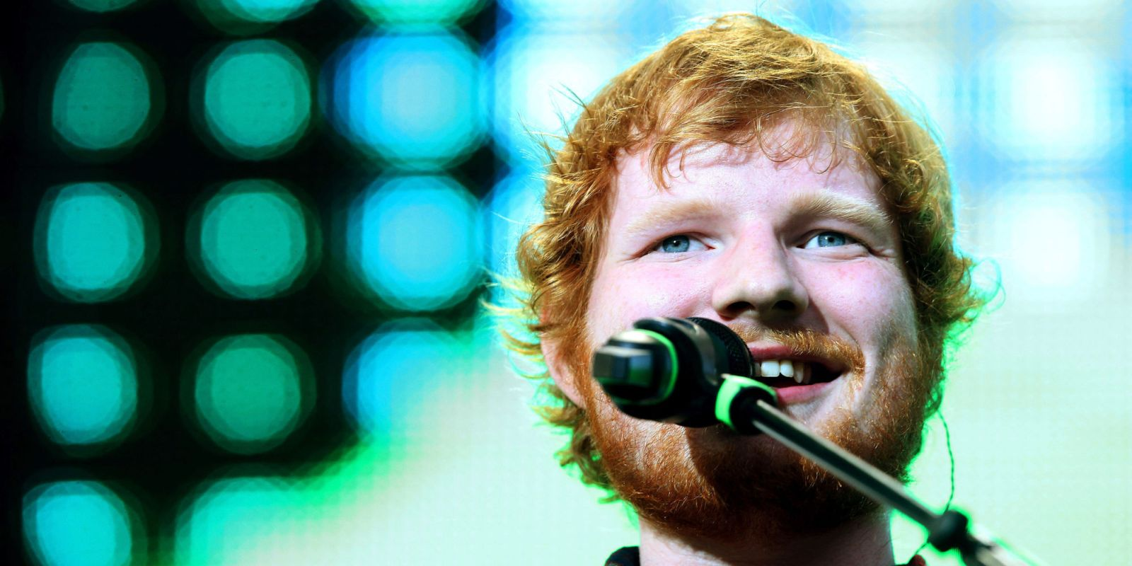 Ed Sheeran - Jumpers for Goalposts: un primo piano di Ed Sheeran