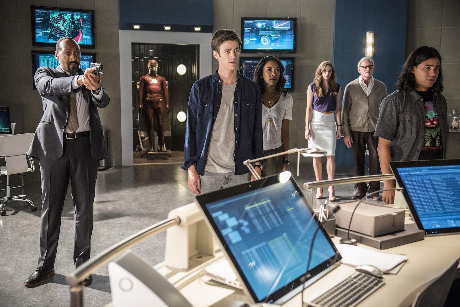 The Flash: una scena della premiere della stagione 2