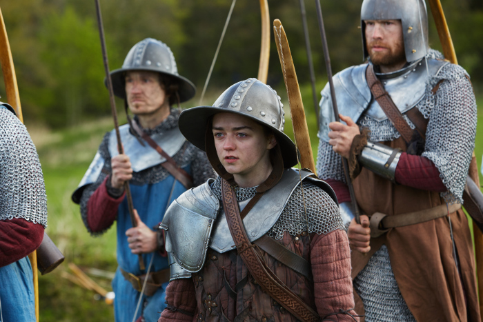 Doctor Who: l'attrice Maisie Williams in una foto dell'episodio The Girl Who Died
