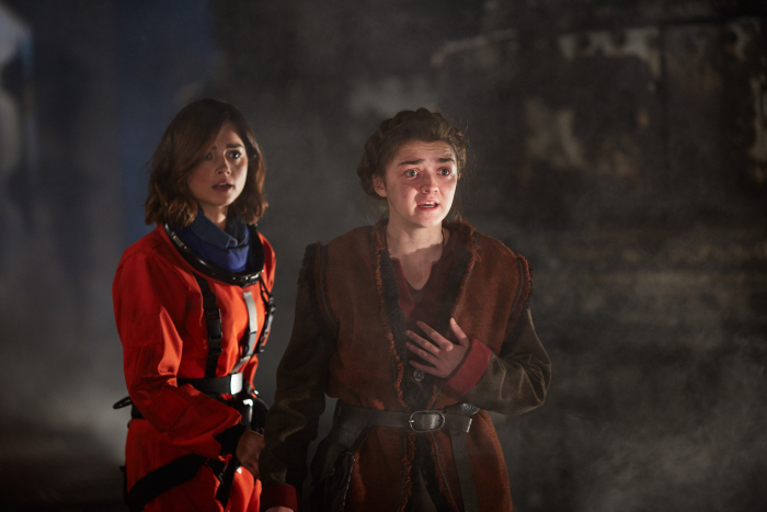 Doctor Who: le attrici Jenna Coleman e Maisie Williams nella puntata The Girl Who Died