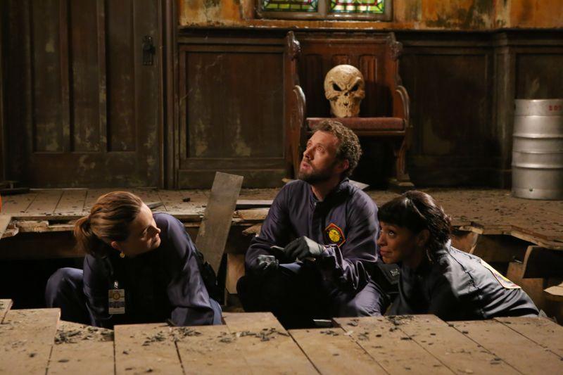 Tamara Taylor, TJ Thyne e Emily Deschanle nel crossover tra Bones e Sleepy Hollow