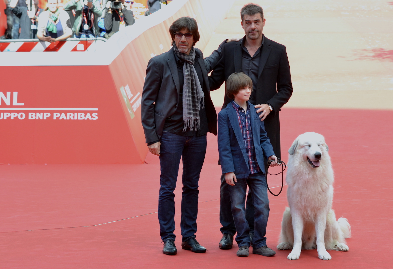 Roma 2015: Felix Bossuet, Thierry Neuvic, Christian Duguay e Belle posano sul red carpet di Belle & Sèbastien, l'avventura continua