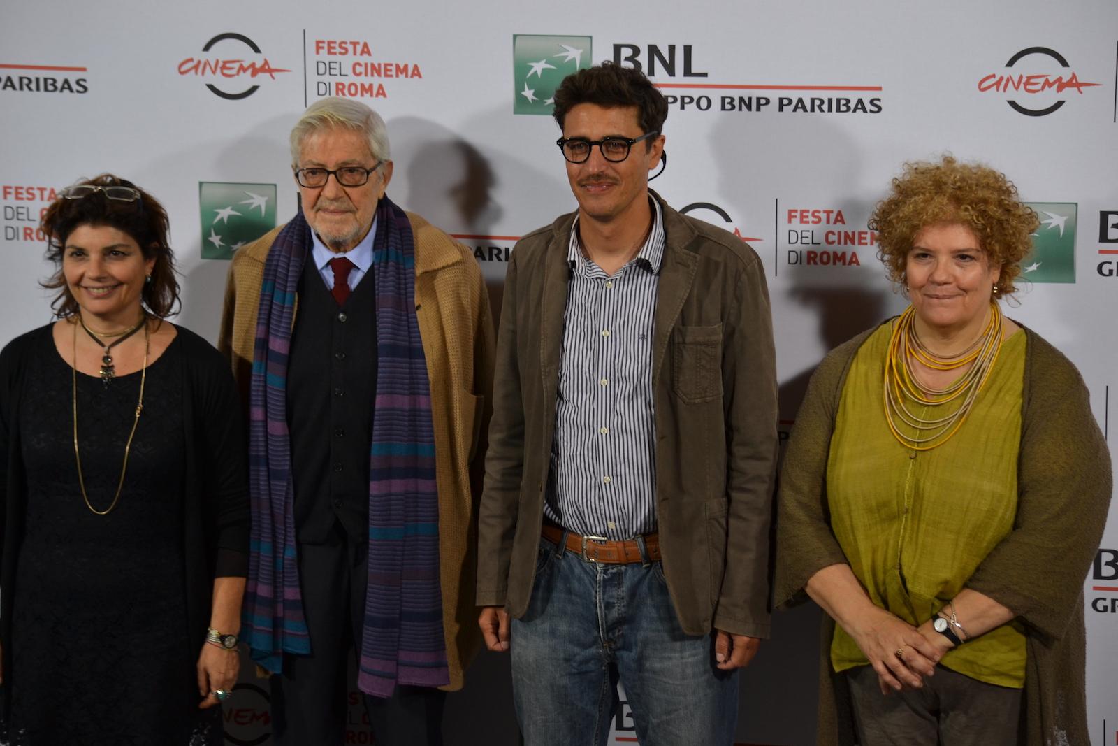 Roma 2015: Ettore Scola, Silvia Scola, Paola Scola e Pierfrancesco Diliberto in uno scatto al photocall di Ridendo e Scherzando
