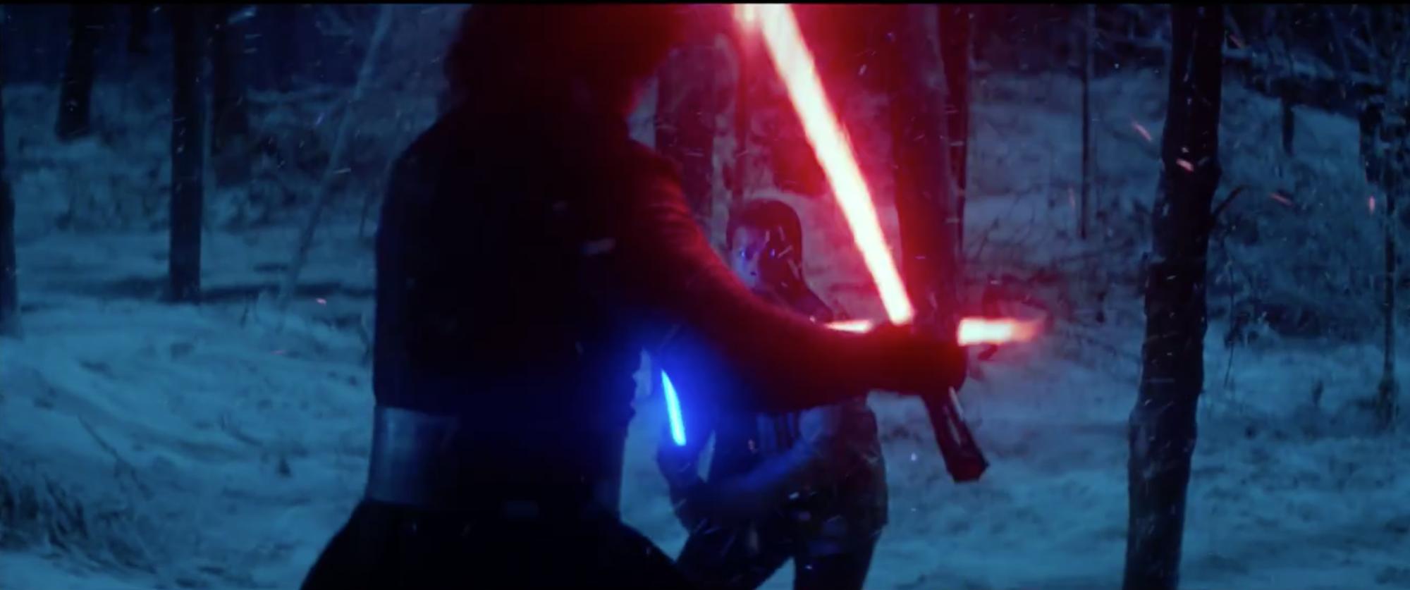 Star Wars: Episodio VII - Il risveglio della Forza: scontro tra spade laser nel trailer finale del film