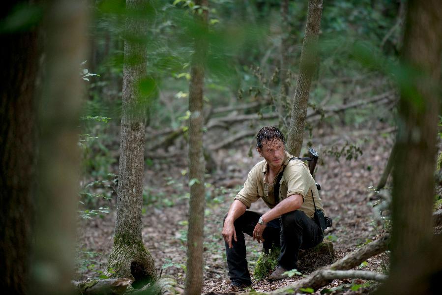 The Walking Dead: l'attore Andrew Lincoln in una foto dell'episodio Thank You
