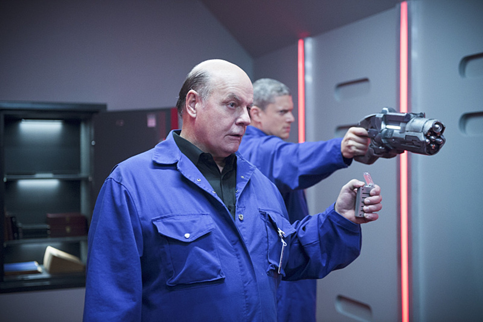 The Flash: Michael Ironside e Wentworth Miller in Family of Rogues