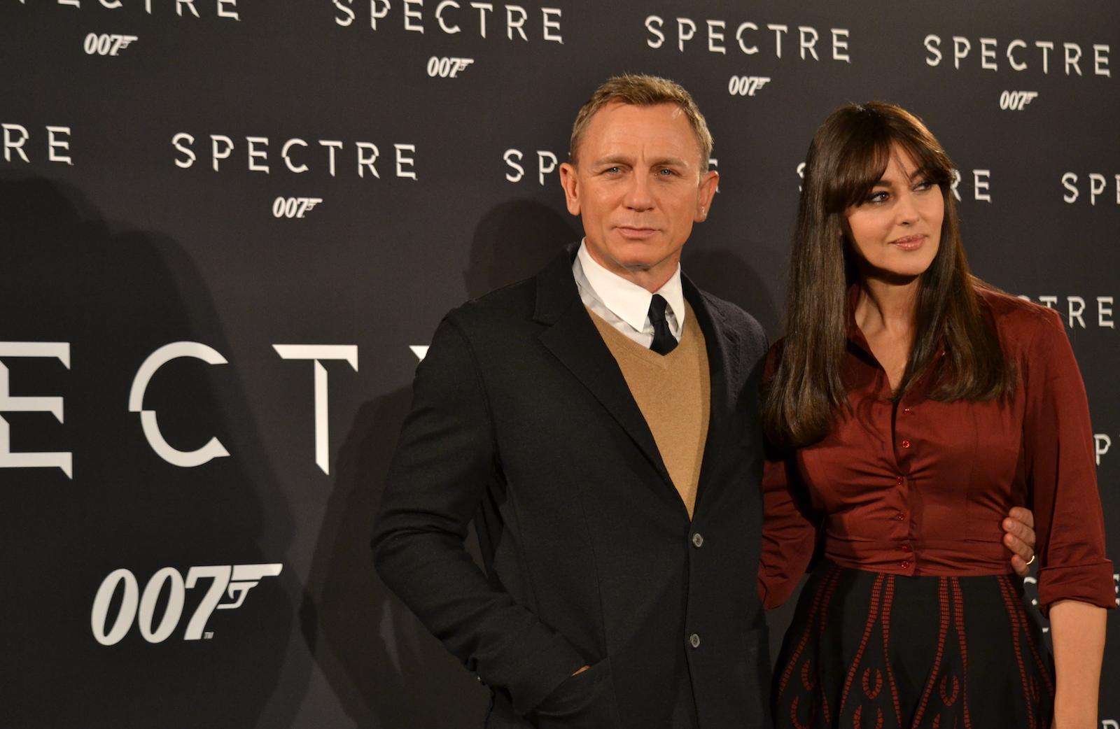 Daniel Craig e Monica Bellucci in uno scatto al photocall di Spectre
