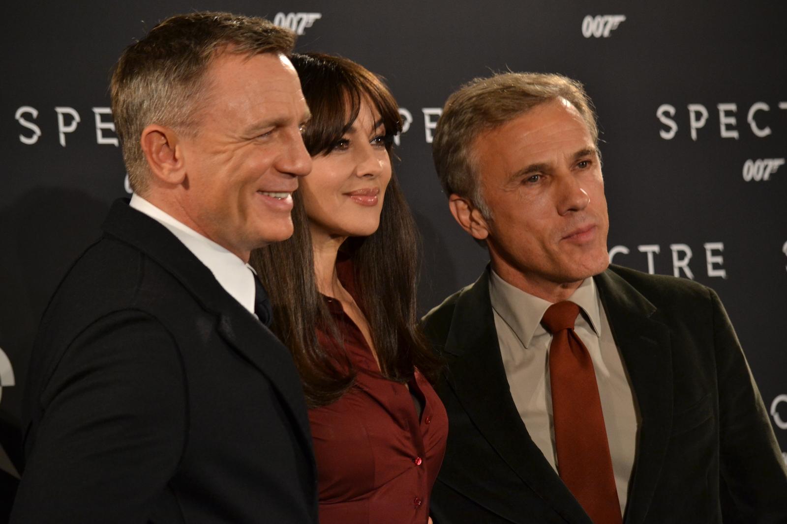 Daniel Craig, Monica Bellucci, Cristoph Walz sorridenti al photocall di Spectre