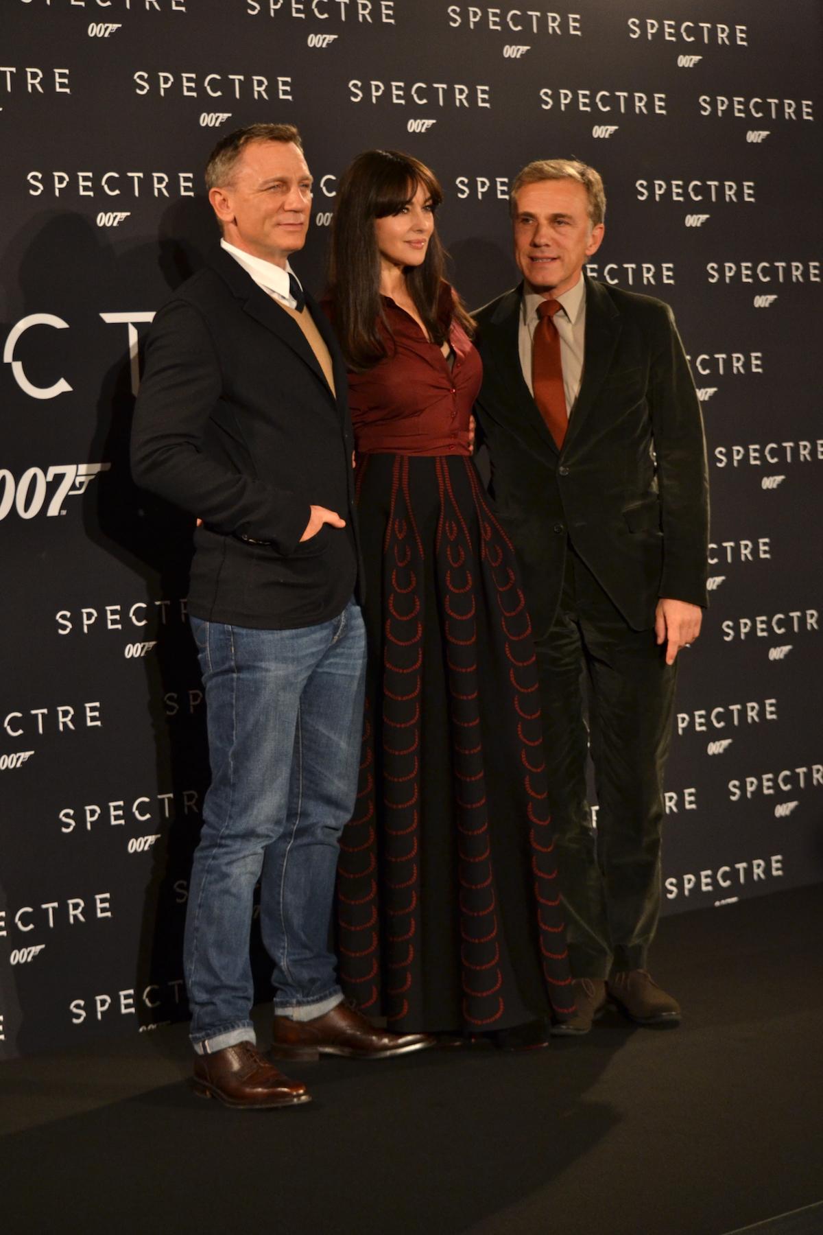 Daniel Craig, Monica Bellucci, Cristoph Walz posano al photocall di Spectre