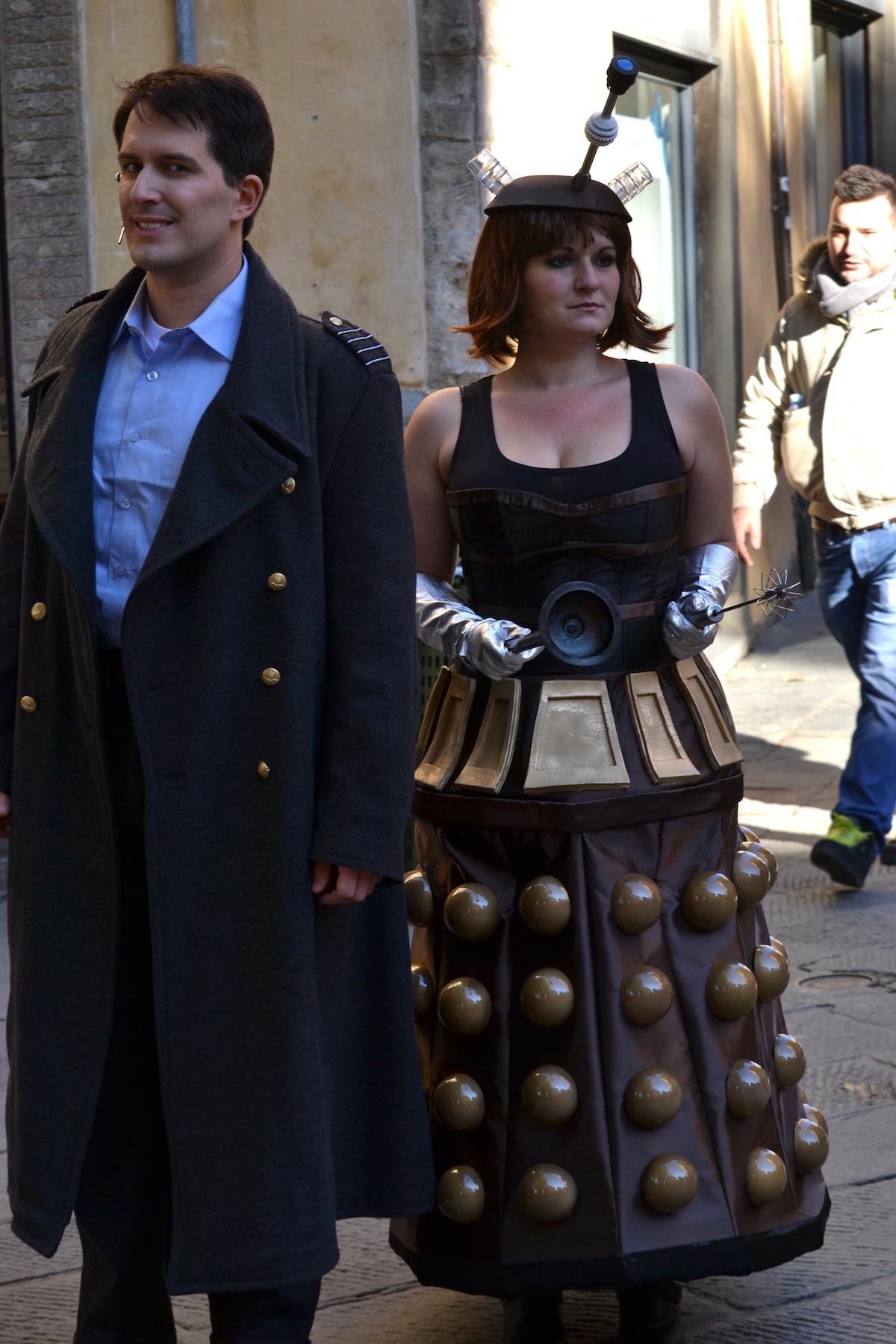 Lucca 2015: Cosplay di Jack Harkness e un Dalek