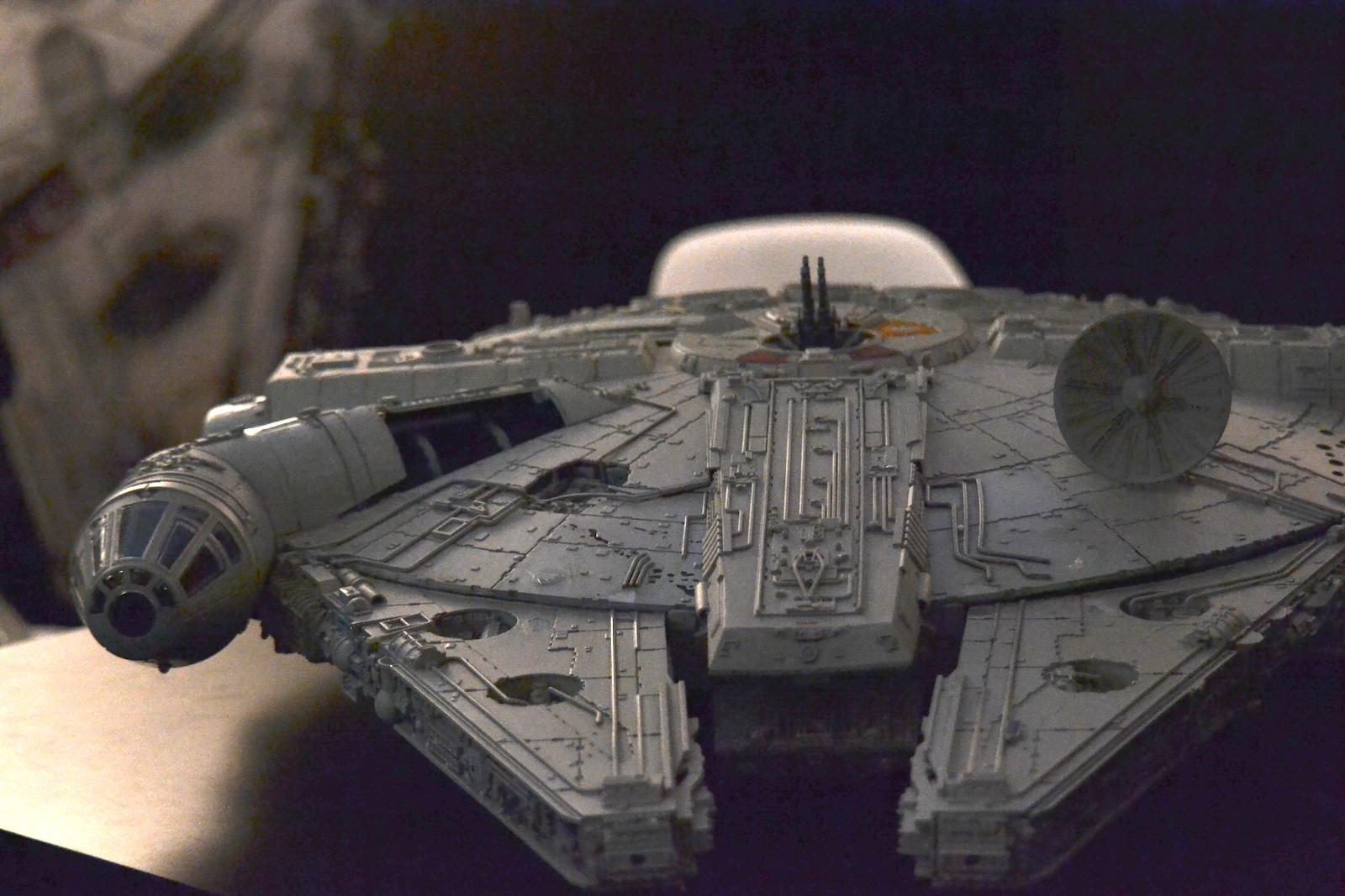 Lucca 2015: riproduzione della Millenium Falcon al padiglione Star Wars