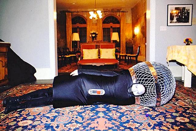 Katy Perry vestita da microfono per Halloween