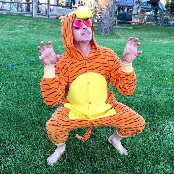 Robert Downey jr. in costume per Halloween 2015