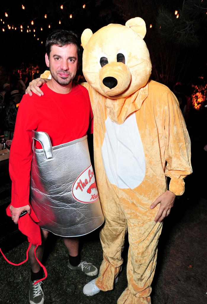 Sacha Baron Cohen con suo fratello Erran, Halloween 2015