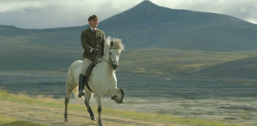 Storie di cavalli e di uomini: Ingvar Eggert Sigurðsson a cavallo in una scena del film