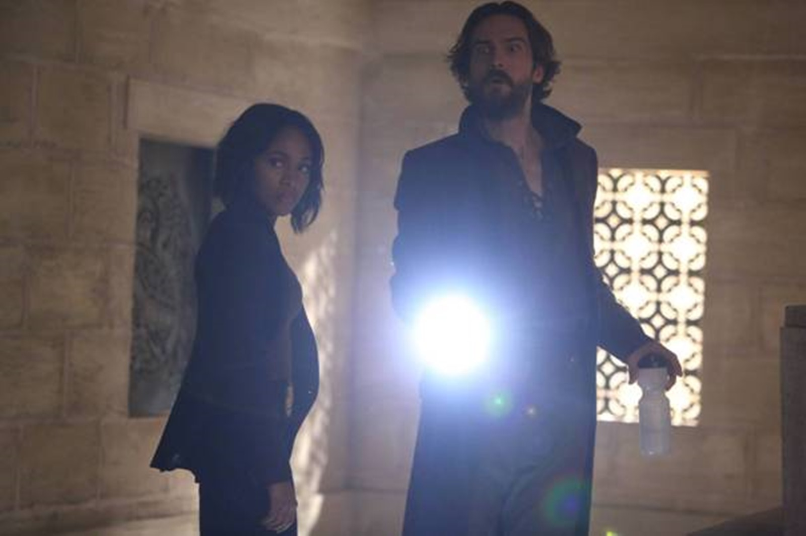 Sleepy Hollow: i protagonisti Nicole Beharie e Tom Mison in Dead Men Tell No Lies, crossover con Bones