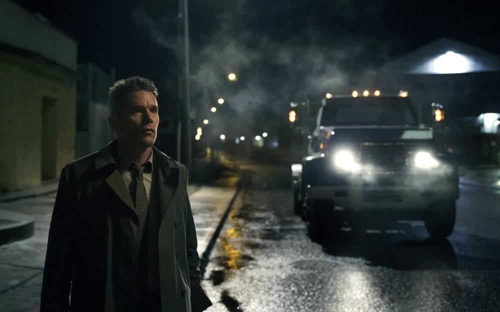 Regression: Ethan Hawke in una scena notturna del film