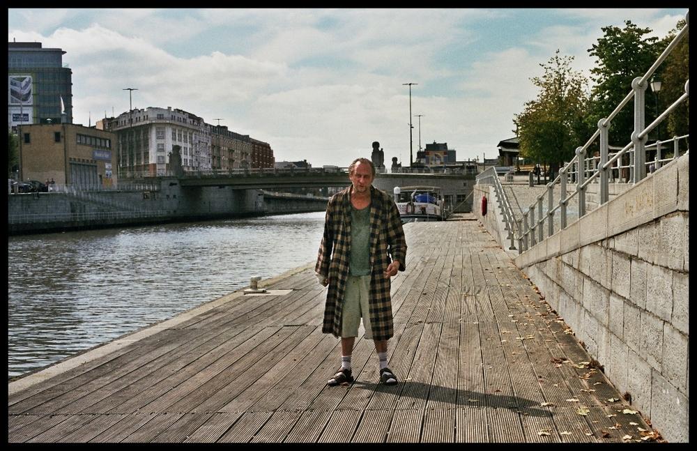Dio esiste e vive a Bruxelles: Benoit Poelvoorde in una scena del film