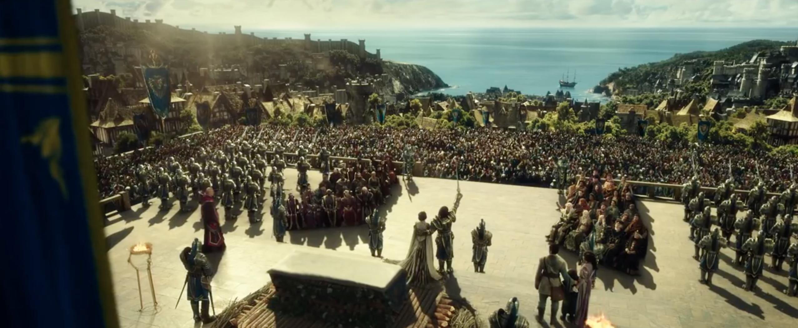 Warcraft - L'inizio: folla riunita nel trailer del film