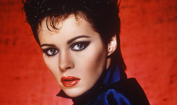 Un primo piano della cantante sheena easton
