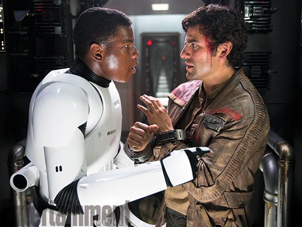 Star Wars: Il Risveglio della Forza - Gli attori John Boyega e Oscar Isaac in una foto del film