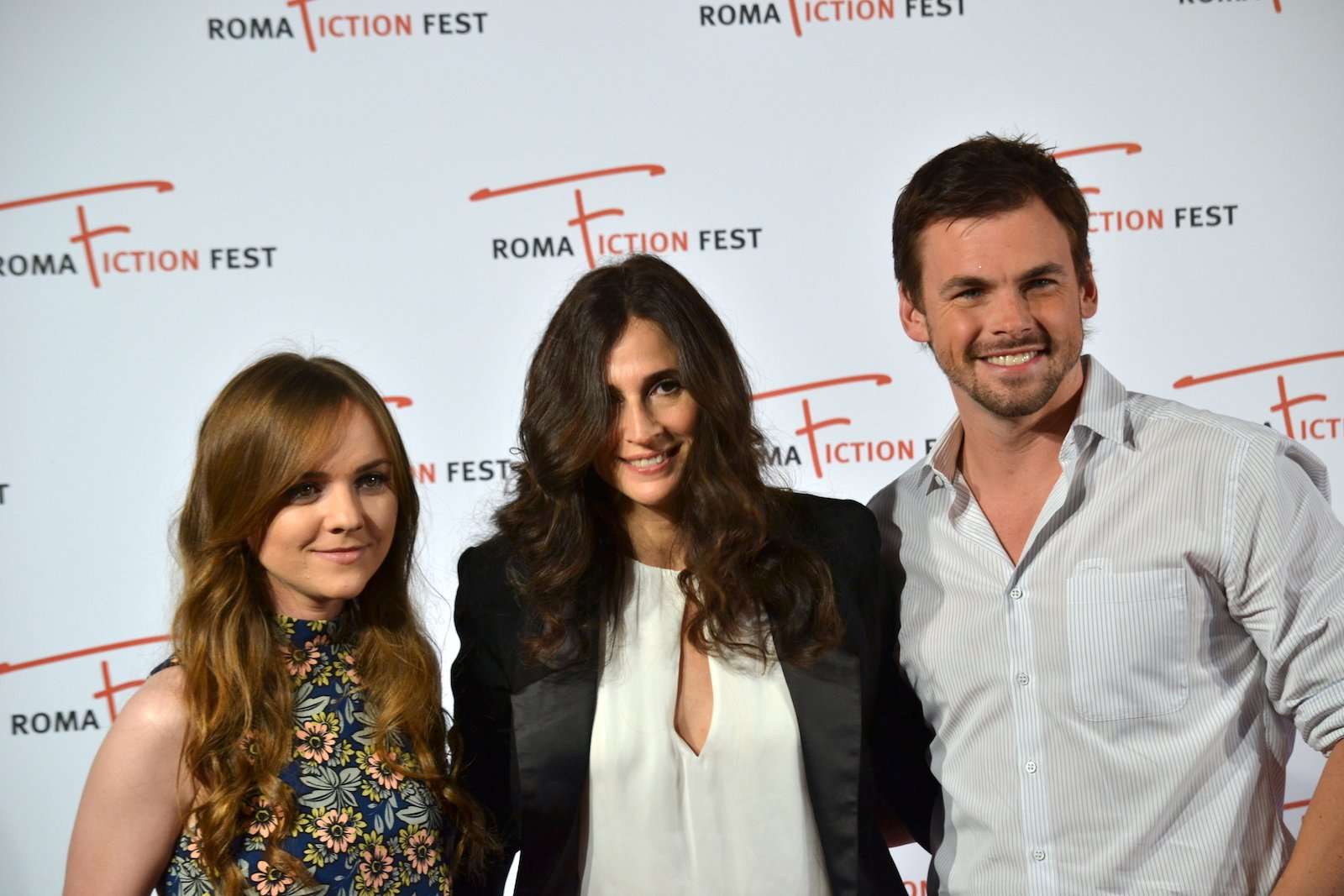 Roma Fiction Fest 2015: Michaela Watkins, Tommy Dewey e Tara Lynne Barr in uno scatto al photocall di Casual