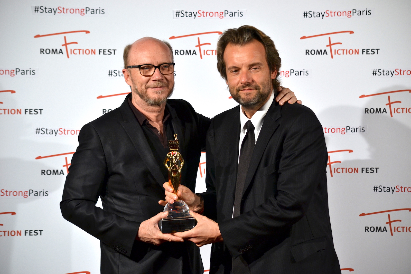 Roma Fiction Fest 2015: Paul Haggis mentre ritira l'excellence award