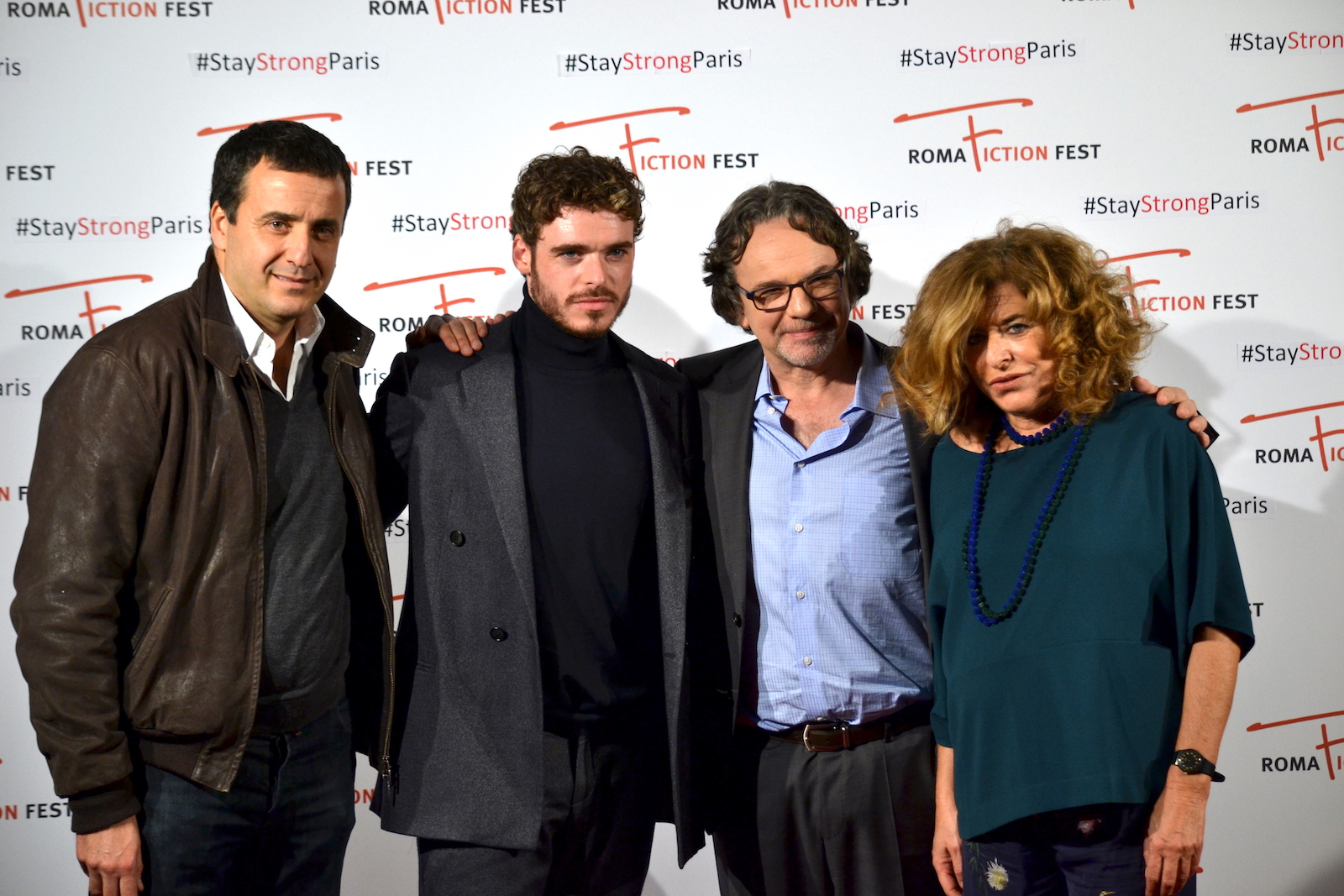 Roma Fiction Fest 2015: Richard Madden con Frank Spotnitz sul red carpet di Medici: Master of Florence