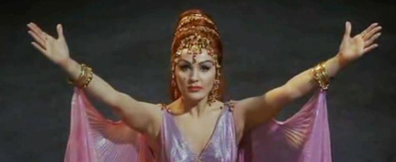 Moira Orfei in Totò e Cleopatra