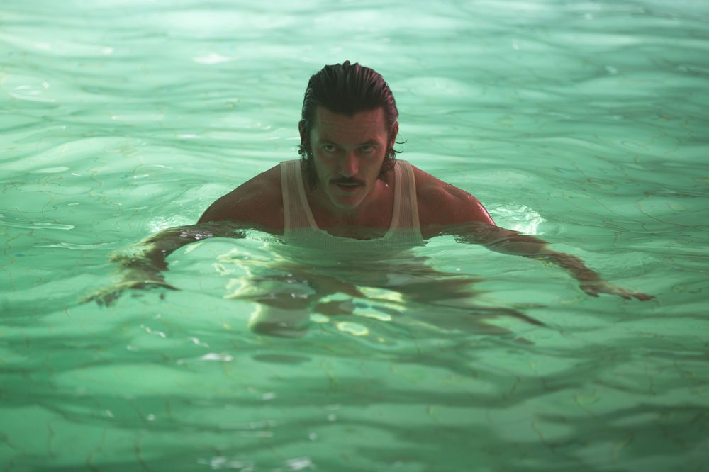 High-Rise: Luke Evans in una scena del film