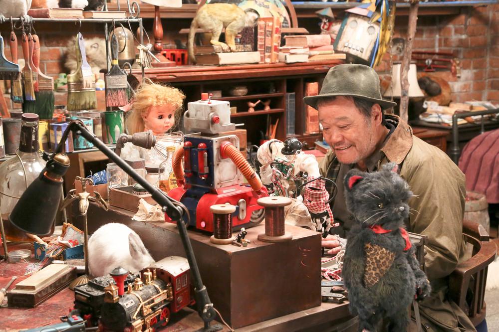 Love & Peace: Toshiyuki Nishida in una scena del film