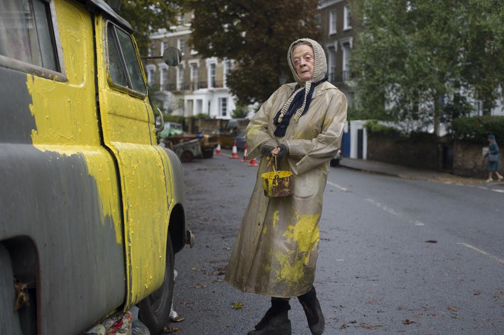 The Lady in the Van: Maggie Smith in un'immagine del film