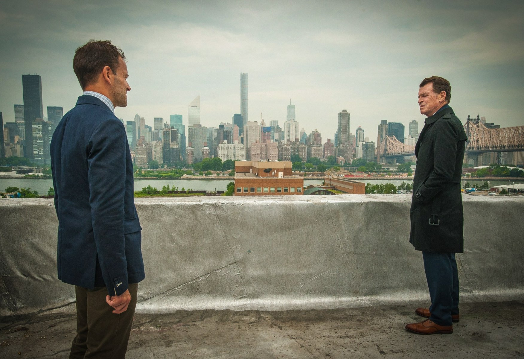 Elementary: Johnny Lee Miller e John Noble nella stagione 4