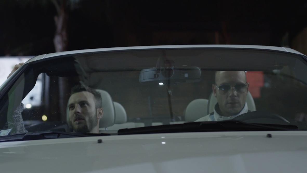 All Night Long: Clementino e un altro attore in una scena del film
