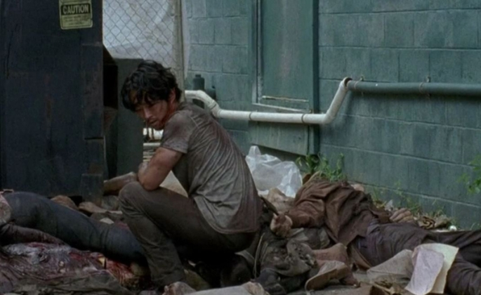 The Walking Dead: l'attore Steven Yeun in una scena dell'episodio Heads Up
