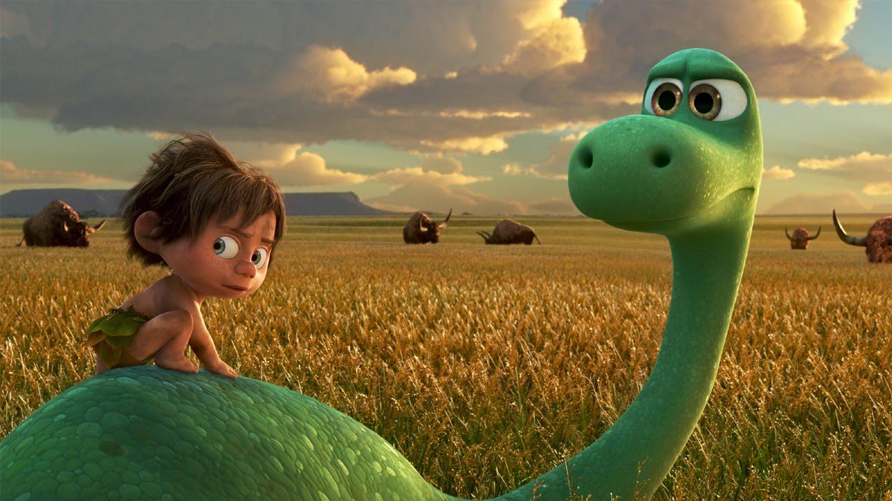 Il viaggio di Arlo: i due protagonisti in una scena