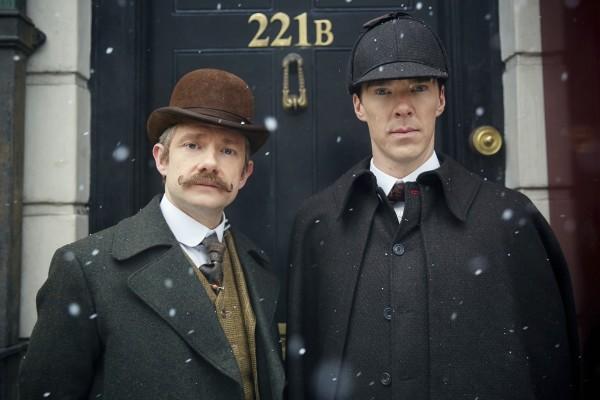Sherlock: Martin Freeman e Benedict Cumberbatc in un'immagine promozionale dello speciale The Abominable Bride