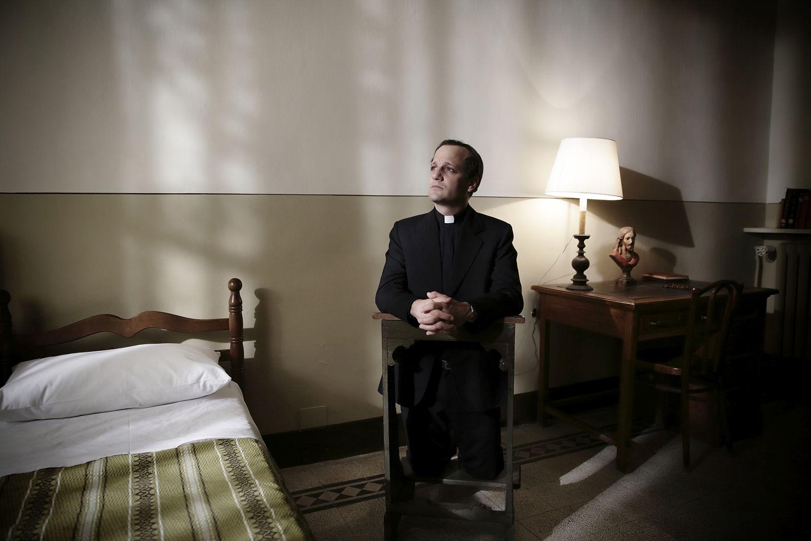 Chiamatemi Francesco - Il Papa della gente: Rodrigo de la Serna in un momento del film